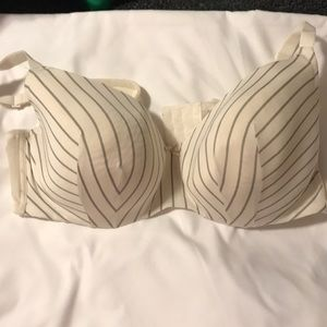 Cacique bra gently used